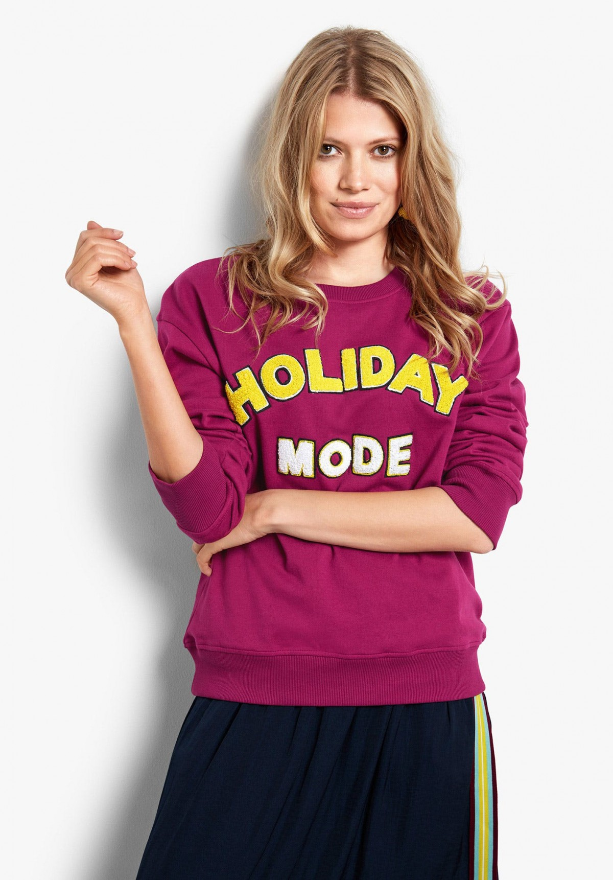 Holiday slogan round-up | mamasvib | hush fashion